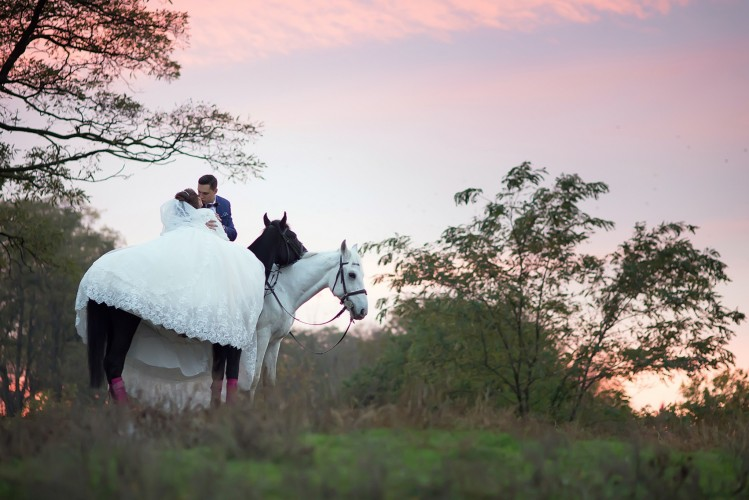 Свадебный фотограф и видеосъемка