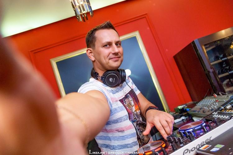 #DJ_FIL